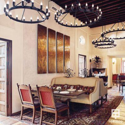 Comedor del Hotel con puertas de madera resistentes al fuego