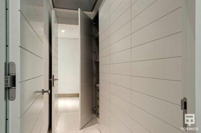 Armario Emporado de la vivienda con puertas con altas prestaciones y elementos adicionales