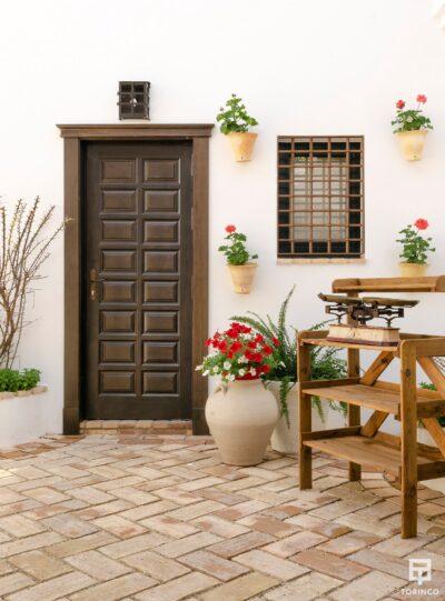Entrada del apartamento con ventanas de alta durabilidad