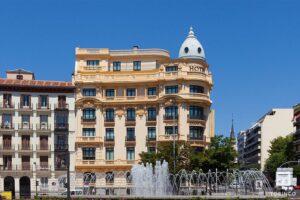 Vistal lateral del hotel sardinero Madrid con ventanas de aislamiento acústico y resistentes al fuego